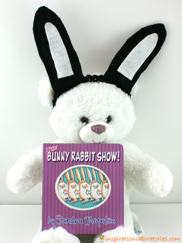 Make your own bunny ears for babies. Inspired by The Bunny Rabbit Show by Sandra Boynton