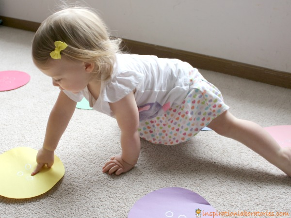 A button hop is a fun way to get toddlers moving. You can also practice colors, counting, and listening skills. Part of the Virtual Book Club for Kids.