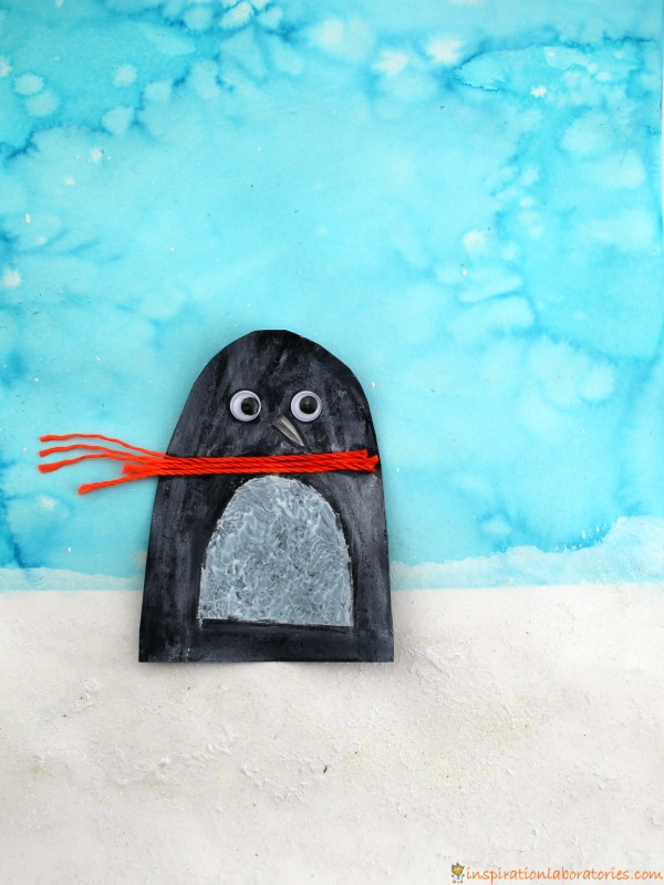 Toddlers and preschoolers will love painting penguins with this combination of fun art techniques.