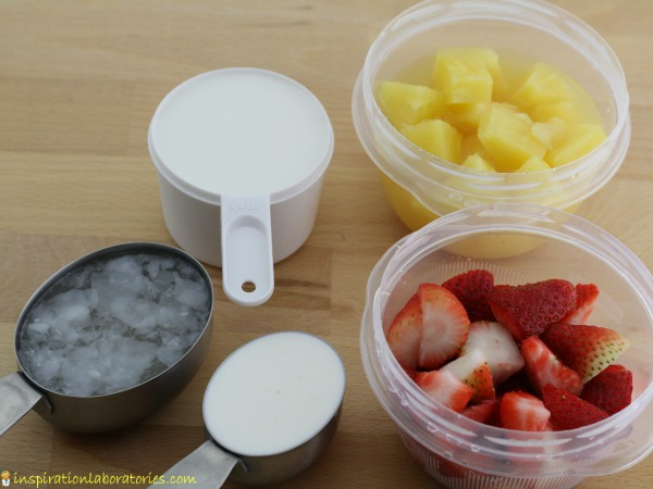 pineapple strawberry smoothie ingredients