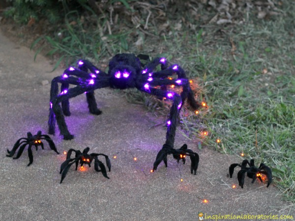 How to make pipe cleaner Halloween spiders with LED eyes